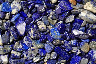 Pietre semipretioase de lapis lazuli